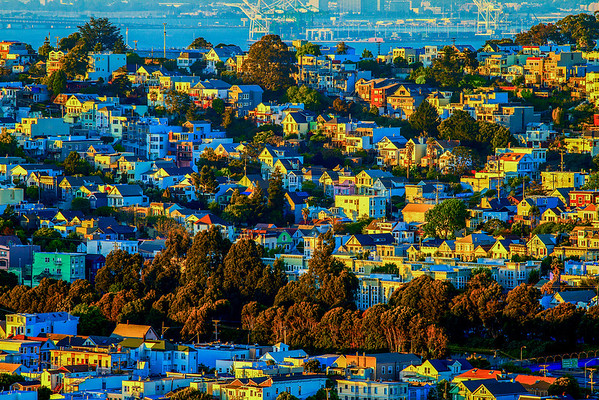 A Neighborhood Sunset  http://tobyharriman.smugmug.com/Photography/San-Francisco/23998223_S39VQZ#!i=1986017932&k=kXGbnhd