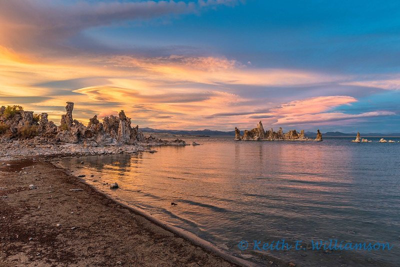 Start of a magnificent sunset, Mono Lake