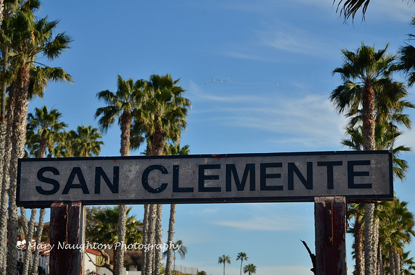 Sign at RR stop, San Clemente, CA