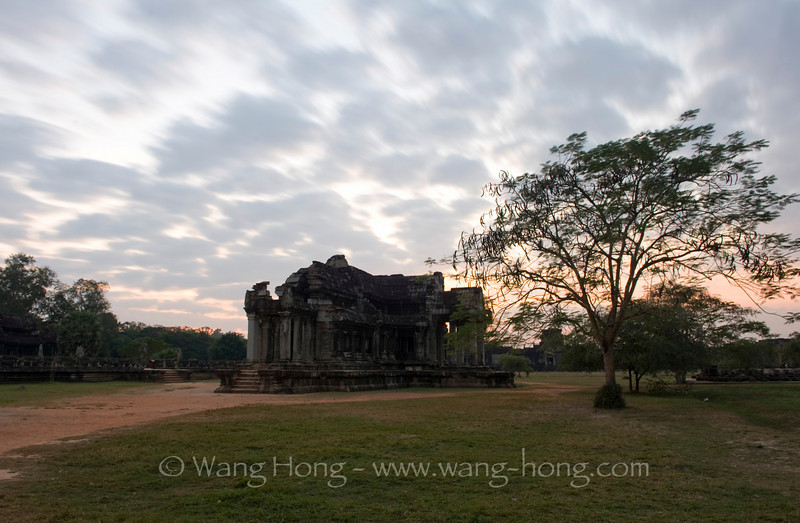 Angkor Wat north library - after sunset