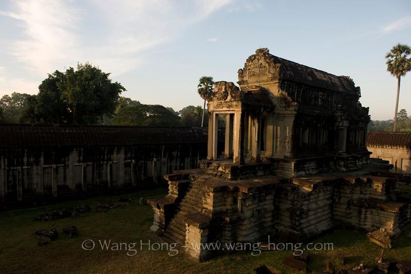 Angkor Wat - small south Library