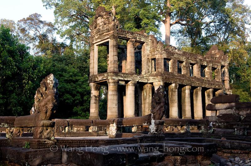 Preah Khan, a side hall