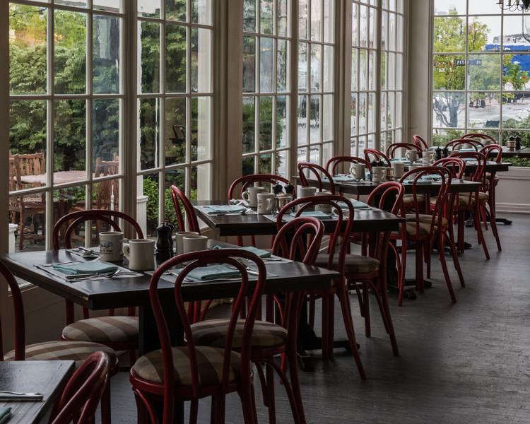 Café in Victoria Hotel