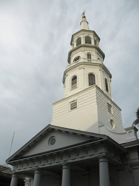<b>St. Michael's Episcopal Church</b> - This is the oldest church in Charleston. It was built between 1752-61 and stands 186 feet tall. It is located at 80 Meeting Street.