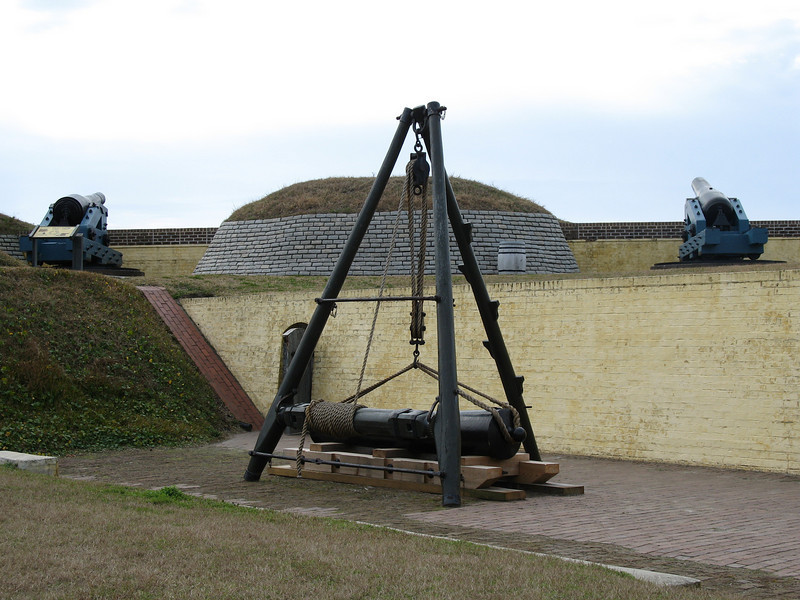 <b>Fort Moultrie - Cannon Lift</b> - Inside the pre-Civil War section of the fort is this display of how cannons used to be lifted up onto the walls.