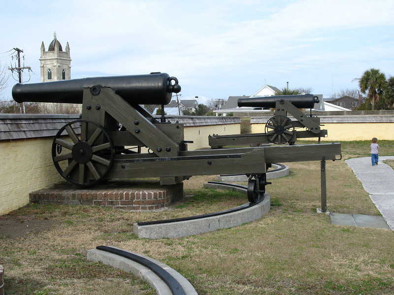 <b>Fort Moultrie - Confederate 32-pounder</b> - These guns represent the newer rifled 32-pound guns used by the Confederates during their occupation of the fort during the Civil War.
