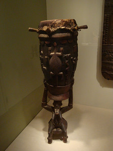 Senufo ceremonial drum (pinge) from Cóte d'Ivoire, Africa. See next picture for more detail.