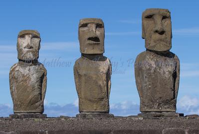 Moai-30