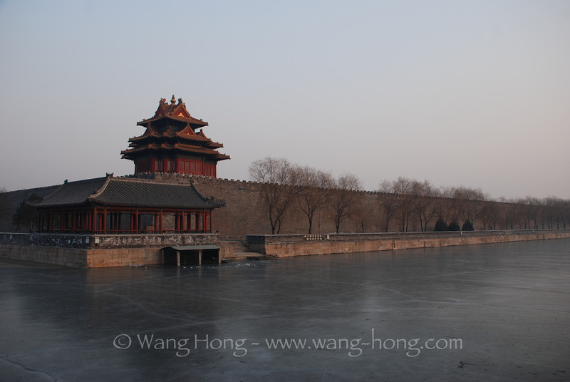 Corner tower of Forbidden City and the frozen moat 故宫角楼