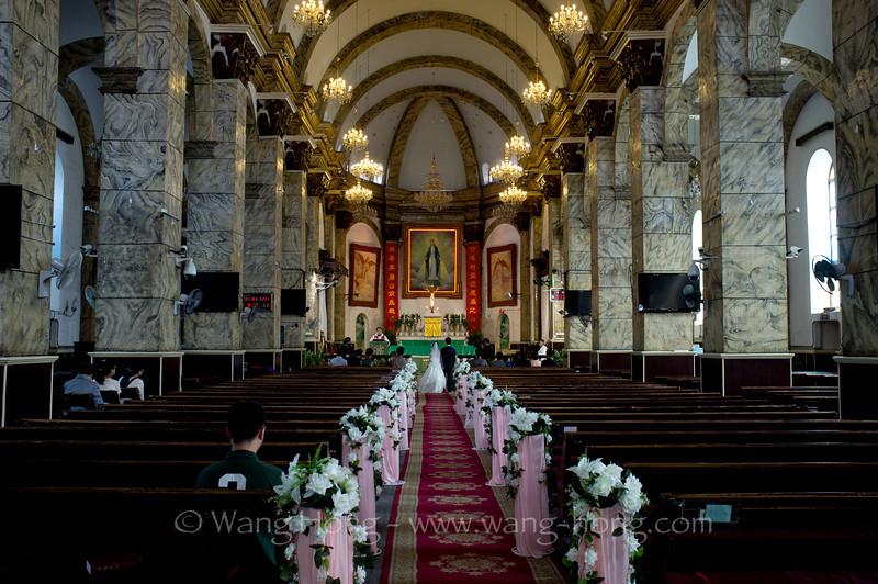 A wedding taking place at Xuanwumen Catholic Church.