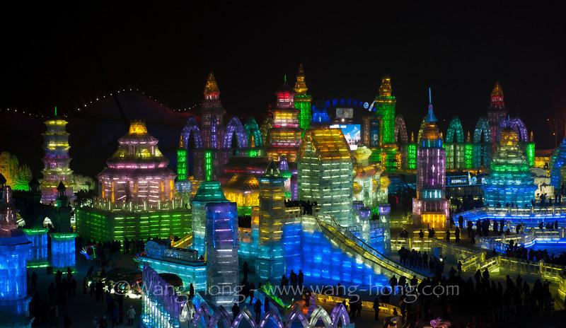 World of Ice & Snow in Harbin, Heilongjiang Province. 哈尔滨冰雪大世界。
