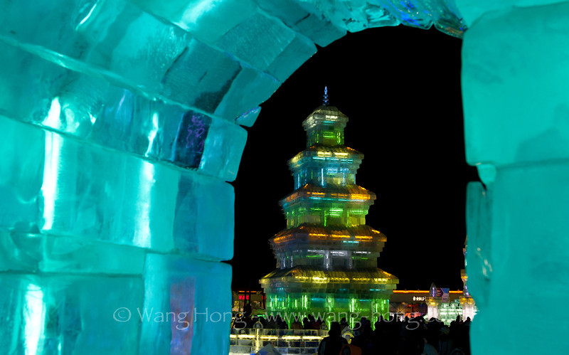 World of Ice & Snow in Harbin, Heilongjiang Province. 哈尔滨冰雪大世界。