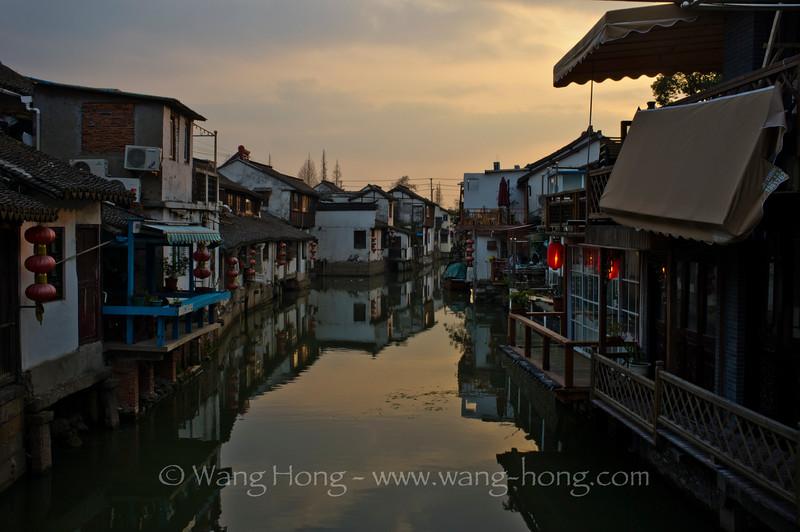 Zhujiajiao at dusk.