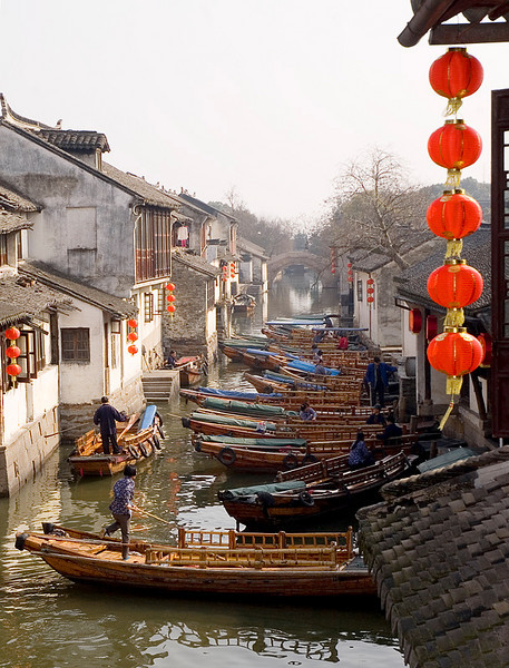 Rush hour in Zhouzhuang