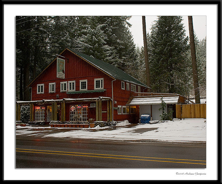 A rustic location, the Copper Creek Inn on the road to Mount Ranier beckons us to stop for a wonderful cup of coffee and a slice of homemade pie.  The countryside is beautiful though overcast this day.