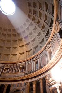 Light of the Pantheon Roma, Italia June 2011
