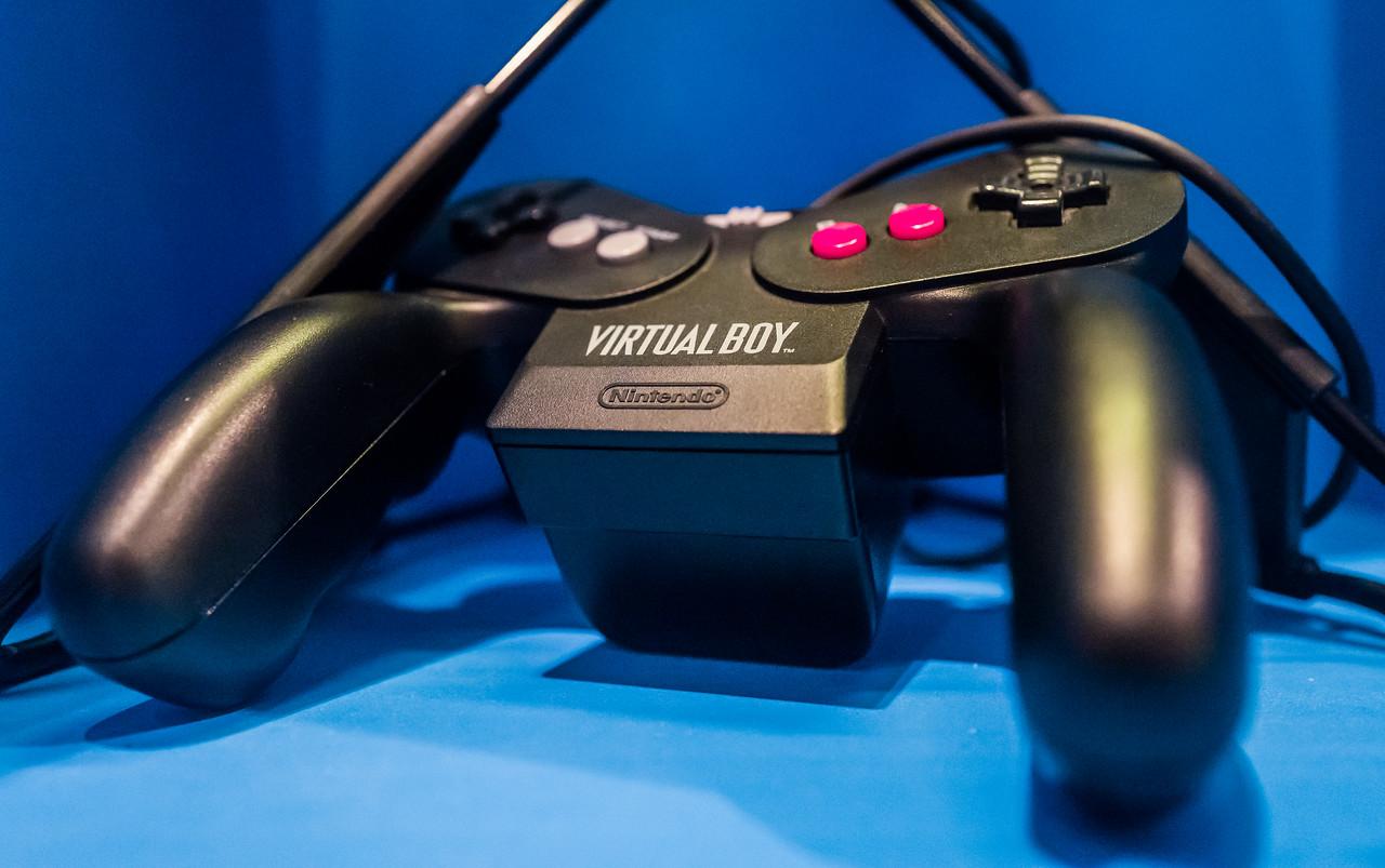 Virtual Boy gamepad in Computerspielemuseum, Berlin