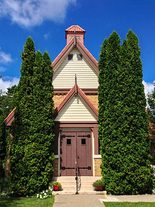 Bala United Church, simple cplours and syemtry