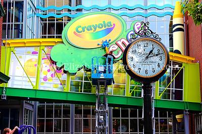 The NEW Crayola Experience Orr's / Bixlers Clock