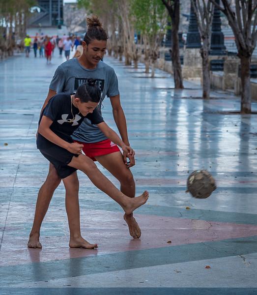 Soccer along the Paseo del Prado