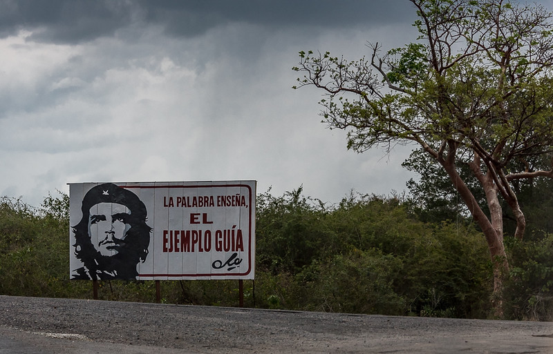 The Word Teaches the Example Guide - Che Guevara