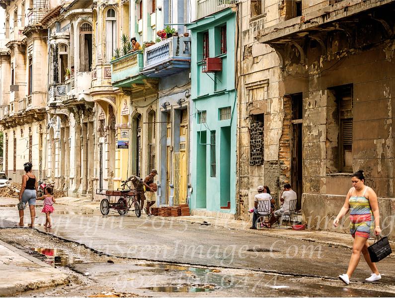 Street Scene Havana - Copyright 2017 Steve Leimberg UnSeenImages Com _DSF1744