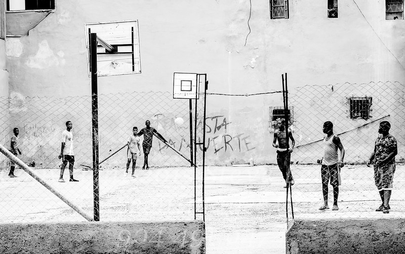 Ball in the Air  B&W Copyright 2017 Steve Leimberg UnSeenImages Com _DSF1801