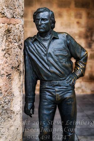 Statue in Courtyard - Havana - Copyright 2017 Steve Leimberg UnSeenImages Com L1001782