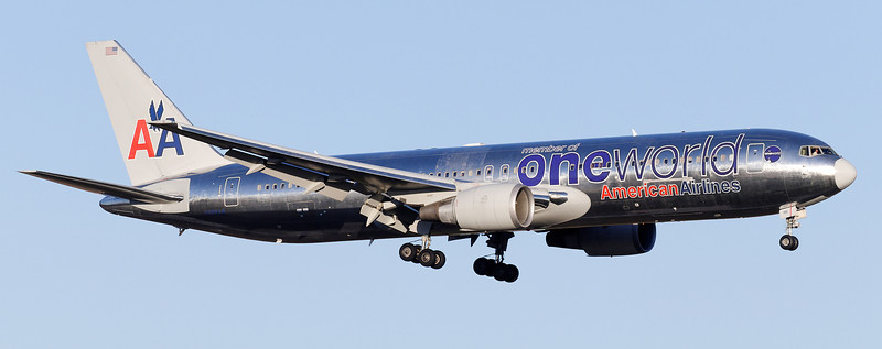 American 767 with OneWorld Logo