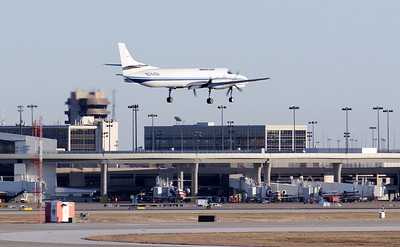 Ameriflight Merlin landing at DFW airport