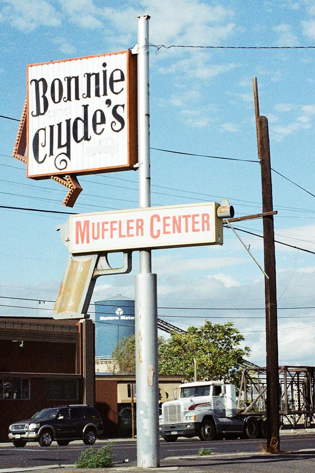 Bonnie & Clyde's Muffer Center