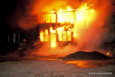 detroit-fire-department-old-slides-devil's-night-post-road-photos-003