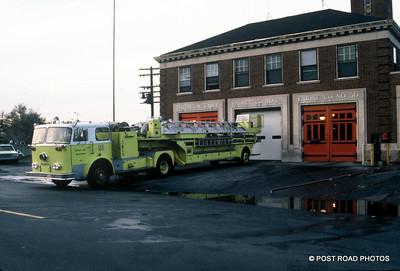 detroit-fire-department-old-slides-devil's-night-post-road-photos-006