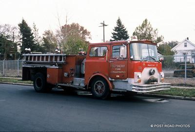 detroit-fire-department-old-slides-devil's-night-post-road-photos-007