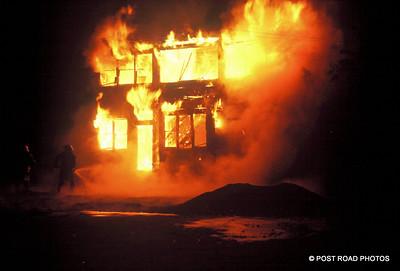 detroit-fire-department-old-slides-devil's-night-post-road-photos-013