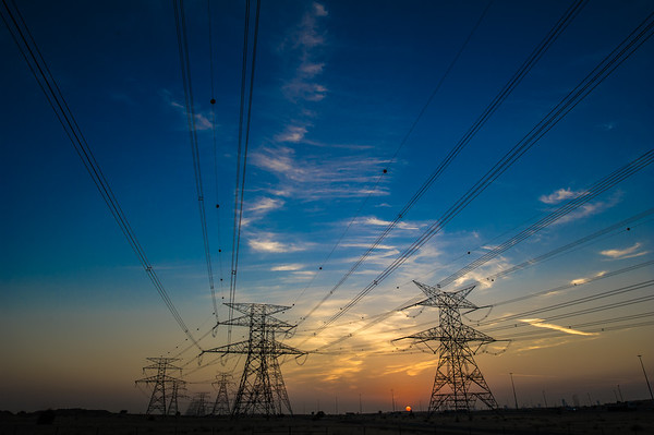 Power lines in the desert. Photo by: Stephen Hindley ©