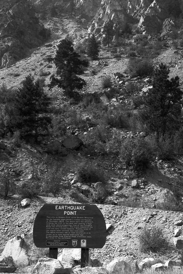Earthquake Point Sign 2