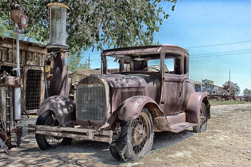 Old vehicle, Laws Museum, Bishop