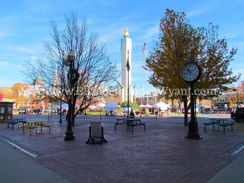 Easton Farmers Market, Easton, PA 11/19/2011 Orr's / Bixlers Clock