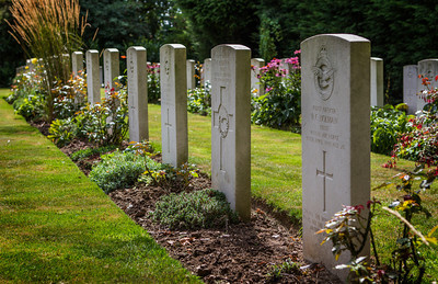 RAF graves, St Andrew's cemetery at Tangmere.