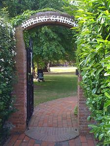 Kipling Gardens Entrance