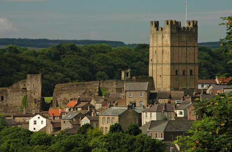 Richmond Castle and surrounding village - Richmond, England