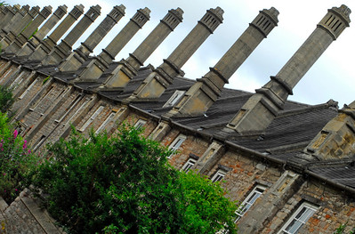 Symmetry of chimneys on row houses - Wells, England