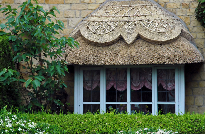 Decorative thatched roof - Chipping Campden, England
