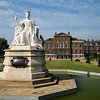 Kensington Palace & statue of Queen Victoria