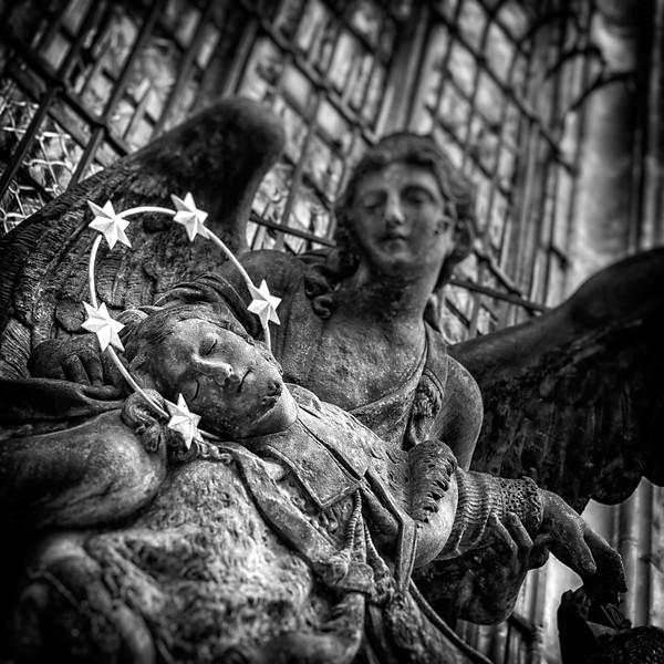 St. Vitus outer details