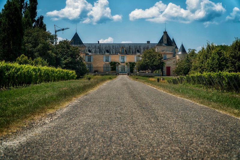 chateau approach