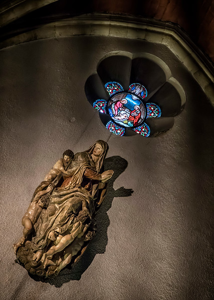 Basilique Notre Dame interior details