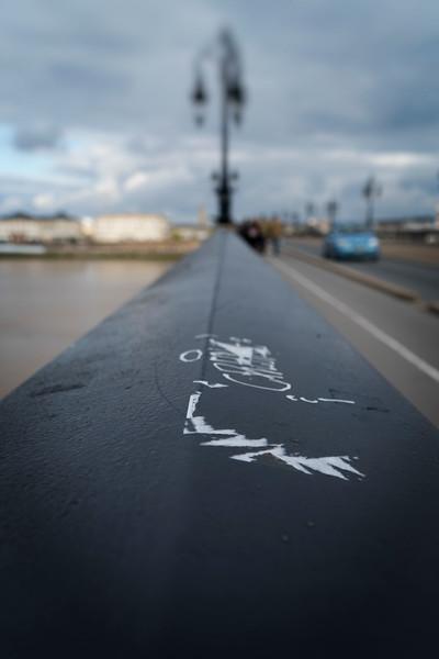 Pont de Pierre graffito