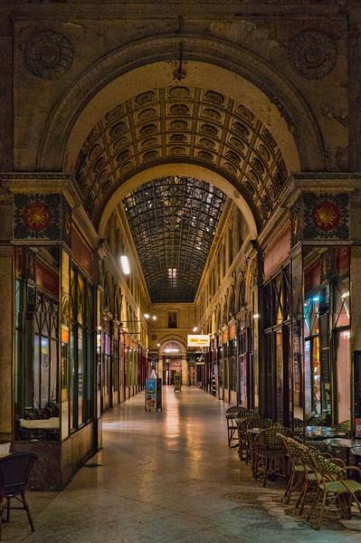 Gallerie, near Place de Parlaiment